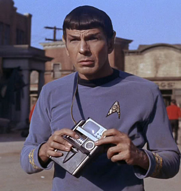 spock_with_tricorder